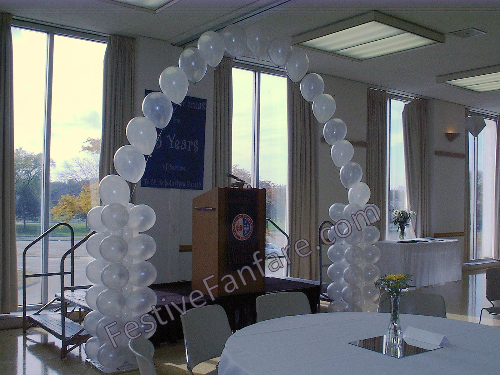 String of Pearl Balloon Arch & Columns